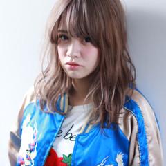 ワイドバング ピュア ミディアム 外国人風 ヘアスタイルや髪型の写真・画像