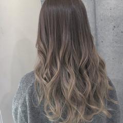 ロング 外国人風 グラデーションカラー ミルクティー ヘアスタイルや髪型の写真・画像