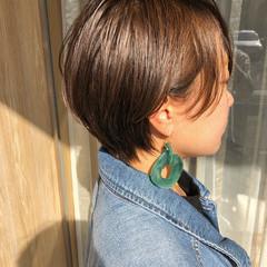 大人ショート ショートヘア ナチュラル 丸みショート ヘアスタイルや髪型の写真・画像