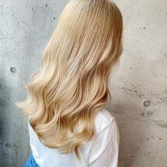 ホワイトブリーチ ハイトーン ガーリー セミロング ヘアスタイルや髪型の写真・画像