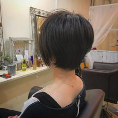 女子会 ショート 斜め前髪 ボーイッシュ ヘアスタイルや髪型の写真・画像