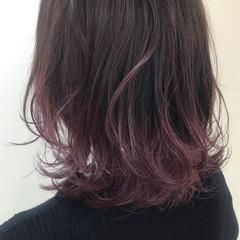 ナチュラル ミディアム グラデーションカラー ピンク ヘアスタイルや髪型の写真・画像