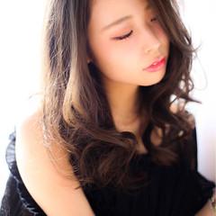 暗髪 セミロング くせ毛風 ゆるふわ ヘアスタイルや髪型の写真・画像