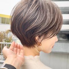 ショートボブ ショート 切りっぱなしボブ ハンサムショート ヘアスタイルや髪型の写真・画像