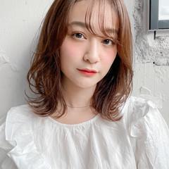 小顔 ミディアム ウルフカット ロブ ヘアスタイルや髪型の写真・画像