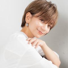 ショートヘア ベリーショート グレージュ ショートボブ ヘアスタイルや髪型の写真・画像