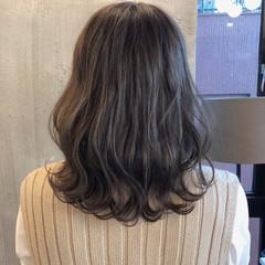 ゆるふわ 暗髪 オフィス ロブ ヘアスタイルや髪型の写真・画像