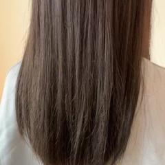 オリーブアッシュ サラサラ ロング ガーリー ヘアスタイルや髪型の写真・画像