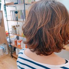 ゆるふわパーマ エアウェーブ ナチュラル ミディアム ヘアスタイルや髪型の写真・画像