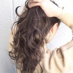 外国人風 ブラウン 暗髪 ハイライト ヘアスタイルや髪型の写真・画像