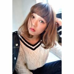 ミディアム グラデーションカラー ハイトーン 外国人風 ヘアスタイルや髪型の写真・画像