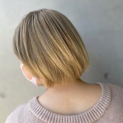 ボブ ナチュラル デザインカラー ブリーチカラー ヘアスタイルや髪型の写真・画像