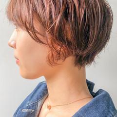 デジタルパーマ ショートヘア ベリーショート ナチュラル ヘアスタイルや髪型の写真・画像
