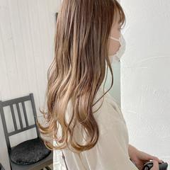 ロング 透明感カラー シアーベージュ ミルクティーベージュ ヘアスタイルや髪型の写真・画像