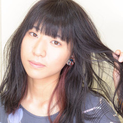 インナーカラーレッド 透明感カラー ガーリー ブリーチ ヘアスタイルや髪型の写真・画像