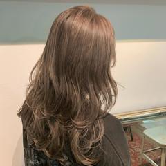 透明感カラー 大人可愛い ロング シアーベージュ ヘアスタイルや髪型の写真・画像