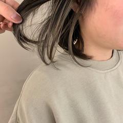 ナチュラル デート インナーカラー インナーカラーホワイト ヘアスタイルや髪型の写真・画像