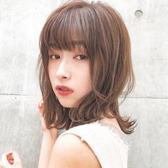 アンニュイほつれヘア デート デジタルパーマ ミディアム ヘアスタイルや髪型の写真・画像