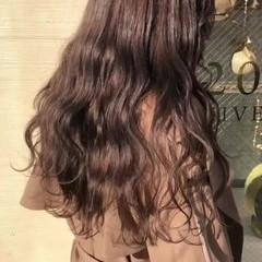 極細ハイライト ロング 大人ハイライト グレージュ ヘアスタイルや髪型の写真・画像