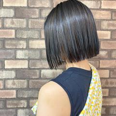 切りっぱなしボブ アッシュグレージュ アディクシーカラー グレージュ ヘアスタイルや髪型の写真・画像