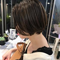 グレージュ ショートボブ アッシュグレージュ ミルクグレージュ ヘアスタイルや髪型の写真・画像