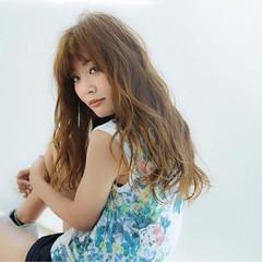 大人かわいい 外国人風 セミロング ガーリー ヘアスタイルや髪型の写真・画像