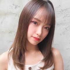 レイヤーカット ミディアムレイヤー シースルバング セミロング ヘアスタイルや髪型の写真・画像