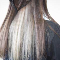 インナーカラーグレージュ インナーカラー グレージュ ミルクティーグレージュ ヘアスタイルや髪型の写真・画像