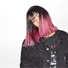 三つ編み ピンク ヘアアレンジ グラデーションカラー ヘアスタイルや髪型の写真・画像