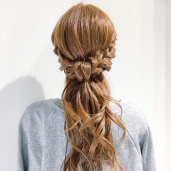 バレンタイン アンニュイ オフィス ヘアアレンジ ヘアスタイルや髪型の写真・画像