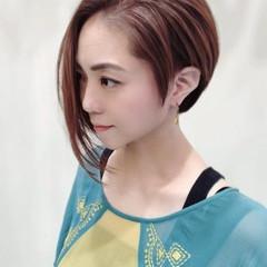 大人遊び心満点アシメヘアー 透明感カラー ボブ フェミニン ヘアスタイルや髪型の写真・画像