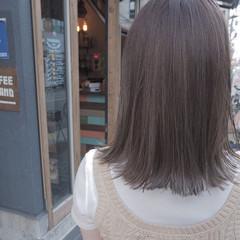 リラックス イルミナカラー 切りっぱなし デート ヘアスタイルや髪型の写真・画像