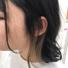 アクセサリーカラー インナーカラー ミルクティー ポイントカラー ヘアスタイルや髪型の写真・画像