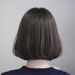 ボブ 切りっぱなし ナチュラル グレージュ ヘアスタイルや髪型の写真・画像
