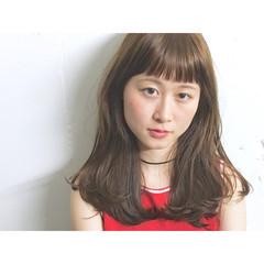 ストリート 前髪あり 外国人風 ワイドバング ヘアスタイルや髪型の写真・画像