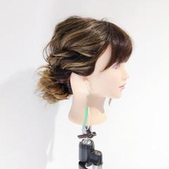 メッシーバン ヘアアレンジ 簡単ヘアアレンジ ナチュラル ヘアスタイルや髪型の写真・画像