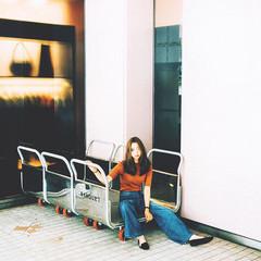 抜け感 セミロング センターパート ワンレングス ヘアスタイルや髪型の写真・画像