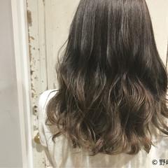 グラデーションカラー セミロング 外国人風 ハイトーン ヘアスタイルや髪型の写真・画像