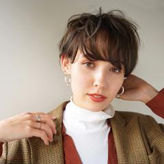 アンニュイほつれヘア ショート マッシュ ナチュラル ヘアスタイルや髪型の写真・画像