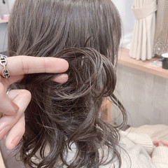 インナーカラー ウルフカット セミロング 切りっぱなしボブ ヘアスタイルや髪型の写真・画像