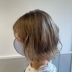 切りっぱなしボブ ボブ ミニボブ グレージュ ヘアスタイルや髪型の写真・画像