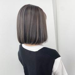 コテ巻き バレイヤージュ ボブ ナチュラル ヘアスタイルや髪型の写真・画像