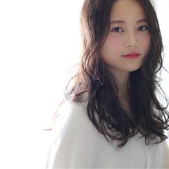 グレージュ 小顔 アッシュ 外国人風 ヘアスタイルや髪型の写真・画像