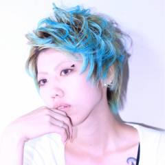 ショート かっこいい ボーイッシュ ビビッドカラー ヘアスタイルや髪型の写真・画像