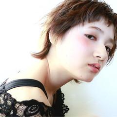 大人かわいい ゆるふわ パーマ アッシュ ヘアスタイルや髪型の写真・画像