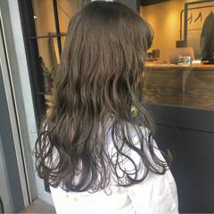 冬 透明感 フェミニン ナチュラル ヘアスタイルや髪型の写真・画像