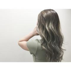 外国人風 ブラウン ロング アッシュ ヘアスタイルや髪型の写真・画像
