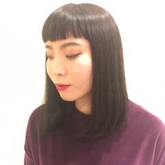 前下がり かっこいい ミディアム 切りっぱなし ヘアスタイルや髪型の写真・画像