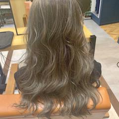 ナチュラル 3Dハイライト ミルクティーアッシュ ロング ヘアスタイルや髪型の写真・画像