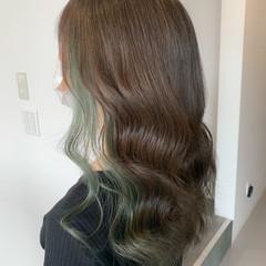 インナーグリーン インナーカラー グリーン ガーリー ヘアスタイルや髪型の写真・画像